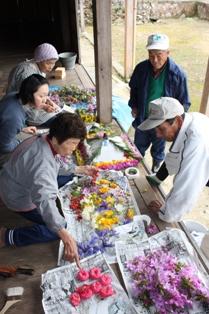 住民に受け継がれる伝統の花祭り