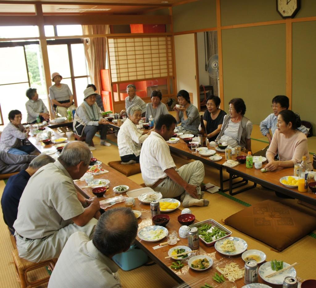 住民が集う場を 小阪区寄り合い会