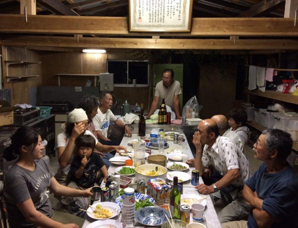 口色川と小阪の住民が交流
